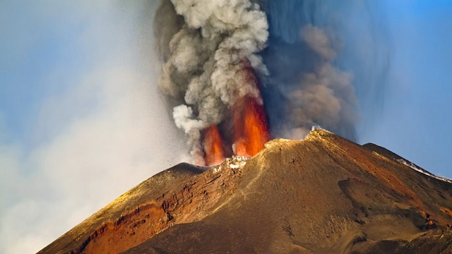 Volcanic 'time capsule' crystals may help us predict eruptions