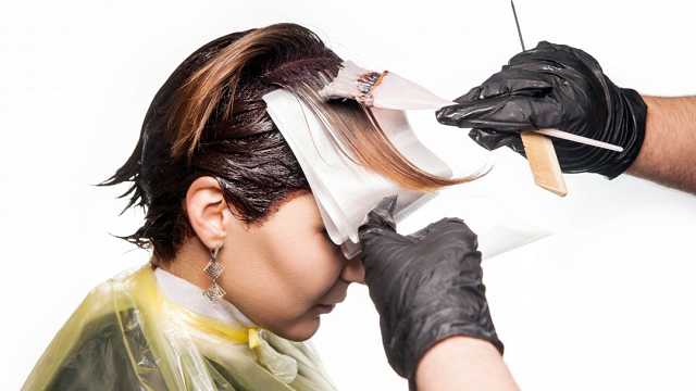 Graphene finds a new use – as hair dye