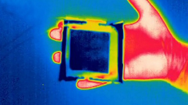 Cloaking device can defeat thermal imaging