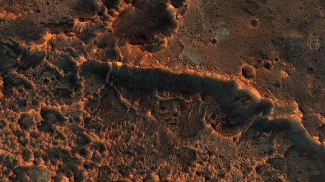 Ancient water reservoirs inside Mars