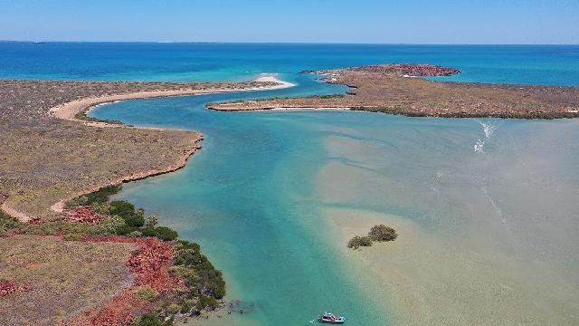 Aboriginal artefacts reveal first ancient underwater cultural sites in Australia