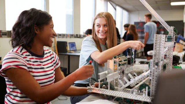 It's not lack of confidence that's holding back women in STEM